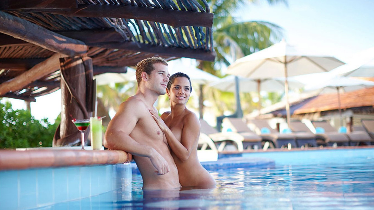 Men sex single vacations for PHI 2000